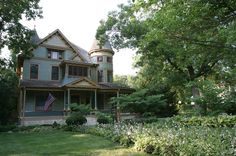 1881 Victorian: Queen Anne - Beautiful Historic 5 Bdrm on 2 acres located 1 hour west of Chicago in Plano, Illinois