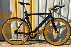Santa Fixie. Comprar Bicicleta NoLogo Bike Black 2016. Bicis NoLogo Online https://www.santafixie.com/comprar-bicicleta-fixie/nologo-bikes/nologo-black-2016.html