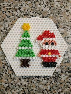 Christmas Perler Beads, Kids Christmas Ornaments, Cross Stitch Christmas Ornaments, Christmas Crafts For Kids, Hama Beads Design, Hama Beads Patterns, Creative Arts And Crafts, Diy Perler Beads, Melting Beads