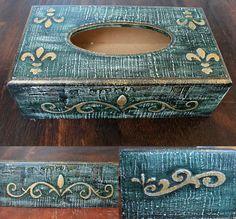 Caja trabajada en relieve