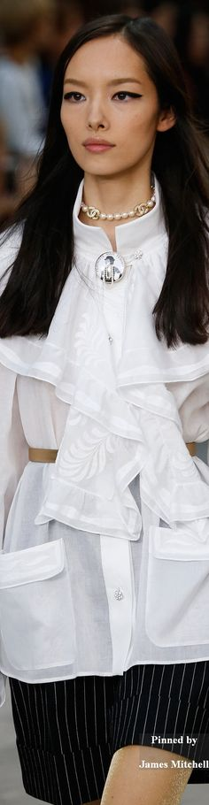 Chanel Collection DETAILS Spring 2015 Ready-to-Wear.........  REGISTER FOR THE RMR4 INTERNATIONAL.INFO PRODUCT LINE SHOWCASE WEBINAR BROADCAST at: www.rmr4international.info/500_tasty_diabetic_recipes.htm    .......      Don't miss our webinar!❤........