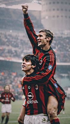 Andrei Shevchenko & Kaka - I will never forget those two incredible legends. When AC Milan ruled the Word. Milan Football, Football Icon, Best Football Players, Good Soccer Players, Football Is Life, Retro Football, World Football, Sport Football, Soccer Pro