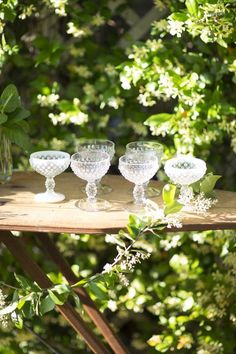 al fresco - Summer living Style Me Pretty Living, Party Fiesta, White Gardens, Al Fresco Dining, Garden Wedding, Party Garden, Garden Parties, Wedding Decor, Wedding Ideas