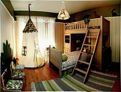 Inspirada pela paixão da filha Mariana, 10 anos, pelos bichos pré-históricos, a designer de interiores Regina Zylbern criou o quarto divertido e em cores neutras, que serve meninos e meninas