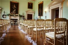 Colours of summer: countryside romance at Kirtlington Park, Oxford - Summer weddings - YouAndYourWedding