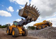 AutolineEN (@Autoline_En) | Twitter Mining Equipment, Heavy Equipment, Used Construction Equipment, Heavy Machinery, Work Tools, Commercial Vehicle, Volvo, Tractors, Monster Trucks