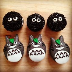 Here are the Totoro French Macaron Cookies from Nerdy Nummies :)