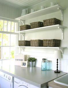 small-laundry-room-organization