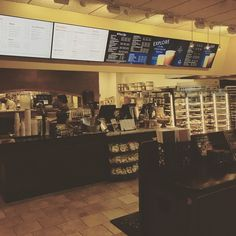 Early morning breakfast @peetscoffee very good and #freshfood and #bakery #podcasting about #sanjose and the activities