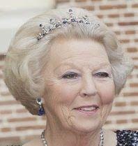 Tiara Mania: Dutch Sapphire Parure Necklace Tiara