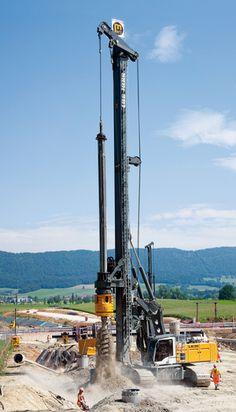 Liebherr LB 36 drilling rig
