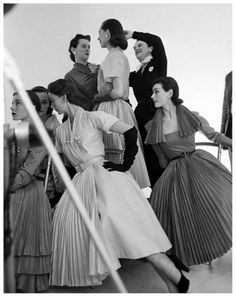 vintage models, Bettina, Sophie Malgat, Anne Gunning (in foreground), Jacques Fath, John Rawlings, Vogue, Photography, Nat Farbman, 1950s