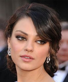 Makeup for Green Eyes: Ruddy Brown