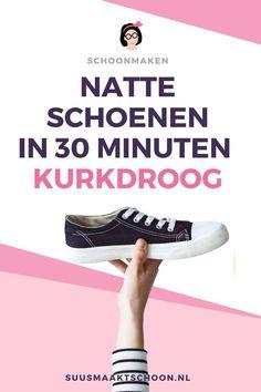 Zo vervelend, natte schoenen! Helemaal als je ze snel weer droog moet krijgen, bijvoorbeeld voor de volgende sportsessie. Gelukkig krijg je de schoenen op deze manier binnen een halfuur weer kurkdroog!