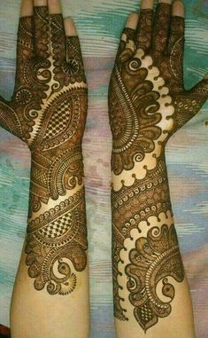 Mehndi henna designs are always searchable by Pakistani women and girls. Women, girls and also kids apply henna on their hands, feet and also on neck to look more gorgeous and traditional. Rajasthani Mehndi Designs, Indian Henna Designs, Latest Bridal Mehndi Designs, Simple Arabic Mehndi Designs, Full Hand Mehndi Designs, Henna Art Designs, Mehndi Designs 2018, Stylish Mehndi Designs, Mehndi Designs For Girls