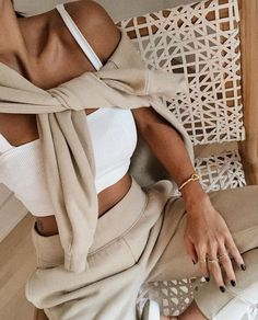 Outfit Chic, Beige Outfit, Neutral Outfit, Spring Summer Fashion, Autumn Fashion, Loungewear Outfits, Athleisure Outfits, Look Office, Looks Style
