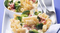Nudelauflauf mit Brokkoli und Schinkenwürfel | http://eatsmarter.de/rezepte/nudelauflauf-mit-brokkoli-und-schinkenwuerfel