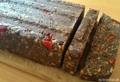 Nepečené energetické tyčinky s karobom | Dobruchut.sk Banana Bread, Ale, Seeds, Gluten Free, Desserts, Food, Poppy, Glutenfree, Tailgate Desserts