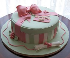This cake was to celebrate Lindsay's birthday and her graduation. Her mom, who ordered the cake, wanted a feminine cake with very soft colours. Gift Box Cakes, Pink Gift Box, 25th Birthday, Birthday Cakes, Eat Pretty, Pretty Cakes, Cake Designs, Cupcake Cakes, Cupcakes