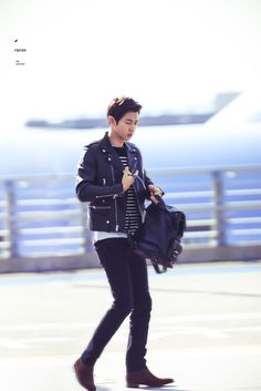 151028: EXO Park Chanyeol; Incheon Airport to Beijing Airport #exok #fashion…