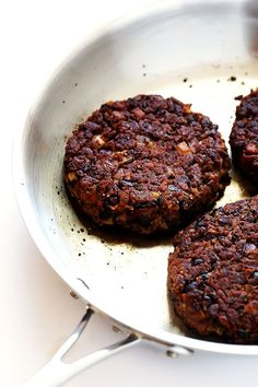 Black Bean Burgers recipe is my favorite! It's quick and easy to make, crispy and juicy (not dried out!), and full of great garlic mushroom flavor. Vegetarian Recipes, Cooking Recipes, Healthy Recipes, Vegan Black Bean Recipes, Vegetarian Barbecue, Vegetarian Cooking, Soup Recipes, Burritos, Vegan Burgers
