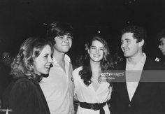 Kennedy family scions Amanda Smith (L), William Smith (2L), and Stephen Smith Jr. (R) w. actress/model Brook Shields (2R) at Ted Kennedy fundraiser.