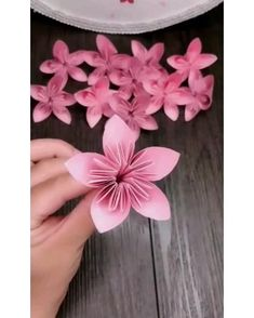 Paper Flowers Craft, Paper Crafts Origami, Paper Crafts For Kids, Flower Crafts, Diy Flowers, Origami Using A4 Paper, Flowers With Paper, Colour Paper Flowers, Paper Origami Flowers