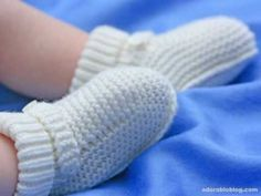 Ideas For Crochet Baby Boy Boots Red Hearts Baby Booties Knitting Pattern, Baby Boy Knitting Patterns, Knitted Booties, Crochet Baby Booties, Crochet Slippers, Crochet Patterns, Baby Boy Crochet Blanket, Baby Boy Blankets, Baby Boy Booties