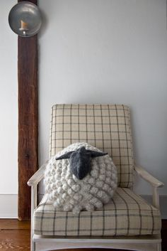 (61) Tiscali Mail :: Free Pattern for our Bobble Sheep Pillow, Now in Gentle Giant!