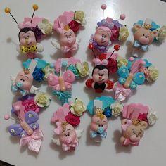 Mini pregadores decorados... Produção à todo vapor! #biscuit #porcelanafria #lembrancinhas #pregadoresdecorados #byarteirapatriene