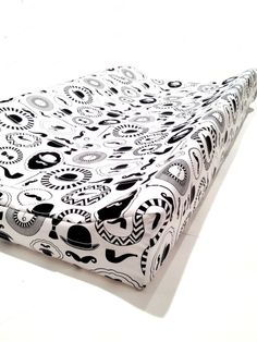 Changing pad cover GENTLEMAN'S for contoured pad-black white change mat…