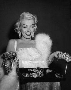 GENTLEMEN PREFER BLONDES (1953) - Marilyn Monroe proves that 'Diamonds Are a Girl's Best Friend' - Directed by Howard Hawks - 20th Century-Fox.