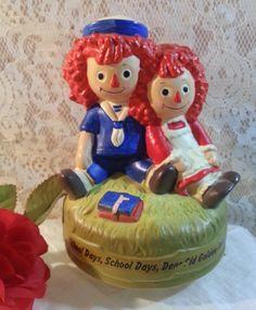 1972 Rotating Music Box - Raggedy Ann & Andy