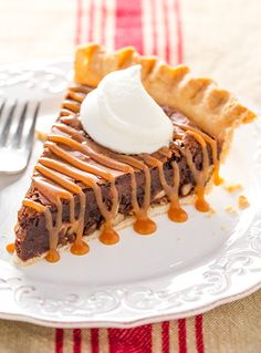 Brownie Pie {AKA Tar Heel Pie} - Cooking Classy- Matt is a Tar Heel so I guess I will have to try this! Tart Recipes, Baking Recipes, Snack Recipes, Dessert Recipes, Snacks, Brownies, Kinds Of Pie, Holiday Pies, Sweet Pie