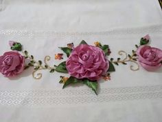 Dhxf Diy Ribbon Flowers, Ribbon Work, Silk Ribbon Embroidery, Deco Table, Couture, Origami, Diy And Crafts, Decoration, Bath Linens