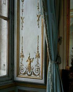 Robert Polidori, Versailles  http://www.rosegallery.net/index.php#mi=2&pt=1&pi=10000&s=0&p=0&a=44&at=2