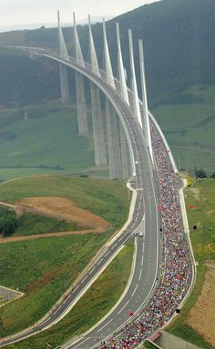 Travel Discover France - A mais alta ponte do mundo - The Millau Bridge França. Places To Travel Places To See Beautiful World Beautiful Places Amazing Places Pictures Of Bridges Gate Pictures Places Around The World Around The Worlds Places To Travel, Places To See, Places Around The World, Around The Worlds, Beautiful World, Beautiful Places, Amazing Places, Pictures Of Bridges, Gate Pictures