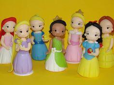 Princesas Disney, monto todas as princesas Disney: Branca de Neve, Bela, Aurora, Diana, Cinderela, Rapunzel, Pequena Sereia, Pocahontas, Mulla, Yasmin e  Príncipe O preço corresponde a cada princesa ou príncipe. Para lembrancinhas (pedido acima de 20 unidades) preço especial, 6,50 unidade. R$ 10,00