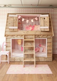 wooden shingle house bed for two girls is a super cozy idea Big Girl Rooms bed Cozy Girls House idea shingle super Wooden Girls Bunk Beds, Kid Beds, Girls Bedroom, Bedroom Decor, Toddler Beds For Girls, Bedroom Furniture, Pallet Furniture, House Beds For Kids, Furniture Projects