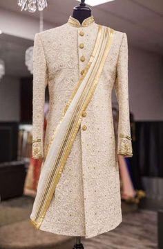 16 ideas for hat wedding men grooms Sherwani For Men Wedding, Wedding Dresses Men Indian, Groom Wedding Dress, Sherwani Groom, Indian Wedding Wear, Groom Dress, Wedding Men, Wedding Suits, Men's Wedding Wear