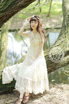 Ok, mori kei Mori Girl Fashion, Lolita Fashion, Mode Mori, Forest Girl, Japanese Street Fashion, Frocks, Lace Dress, Feminine, Fashion Outfits