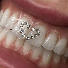 Piercing Tattoo, Ear Piercings, Cute Jewelry, Body Jewelry, Tooth Jewelry, Girl Grillz, Diamond Teeth, Grills Teeth, Tooth Gem
