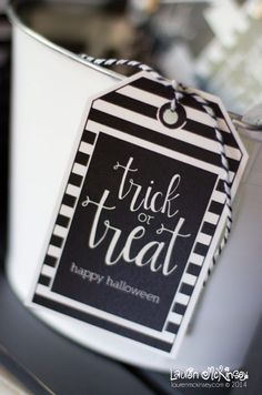 Black and White Stripe Trick or Treat Tags Diy Halloween Gifts, Halloween Tags, Halloween Class Party, Classy Halloween, Halloween School Treats, Halloween Design, Holidays Halloween, Halloween 2018, Halloween Printable