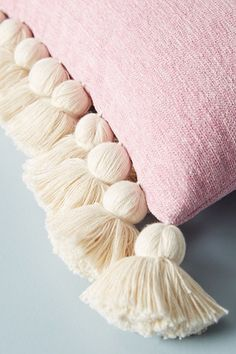 All Time Best Cool Tips: Sewing Decorative Pillows Style decorative pillows diy grain sack.Decorative Pillows Quotes Ideas how to make decorative pillows crafts.How To Make Decorative Pillows Crafts. Living Room Plants, Living Room Decor Pillows, Living Rooms, Blue Pillows, Diy Pillows, Throw Pillows, Accent Pillows, Home Crafts, Diy And Crafts