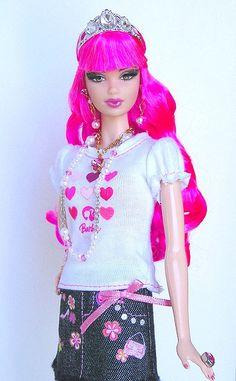 wearing a Barbie outfit. Pink Barbie, Barbie Hair, Barbie Clothes, Beautiful Barbie Dolls, Vintage Barbie Dolls, Castle Dollhouse, Tarina Tarantino, Barbie Style, Doll Wigs