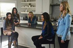 Spencer Hastings, Aria Montgomery, Hanna Marin, Emily Fields and Alison Dilourantis  #pll 5th season