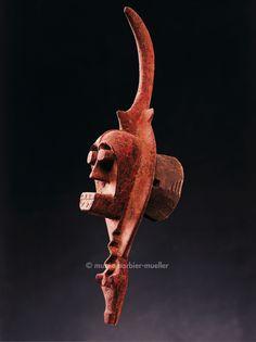 Igbo mask, Nigeria, Masques africains - Les Musées Barbier-Mueller