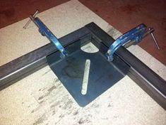 Bildergebnis für how to make welding clamps - Young Tutorial and Ideas Welding Classes, Welding Jobs, Mig Welding, Welding Table, Welding Art, Welding Design, Metal Projects, Welding Projects, Welding Ideas
