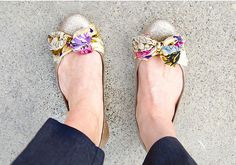 Flats DIY: use a scarf as a bow for your flats