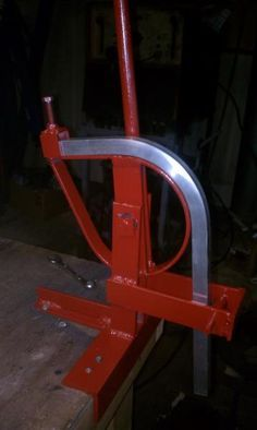 square tube bender, cost less than 25 dollars - WeldingWeb™ - Welding forum for pros and enthusiasts Metal Bending Tools, Metal Working Tools, Metal Tools, Metal Projects, Welding Projects, Metal Crafts, Diy Projects, Welding Ideas, Wooden Crafts